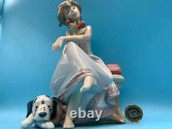 Lladro'chit Chat' Figurine 5466 Girl On The Phone With Her Dog 1987