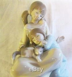 Lladro figurine SIsters, 2 little girls with their cat. 1534 Exquisite, Boxed