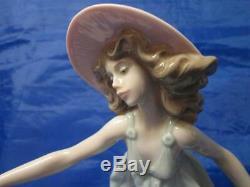 Lladro figurine Tela al Viento Rosa May Dance Jose Puche #5662 Retired 2005