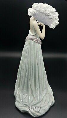 Lladro figurine Temis 6283 Spanish Porcelain