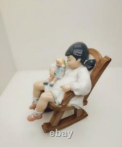 Lladro figurine nap time