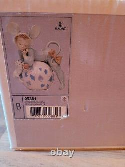 Lladro figurine very rare Mischevious Mouse (05881) MINT Condition in Box
