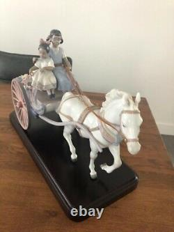Lladro flower wagon limited edition number 588, boxed and in excellent condition