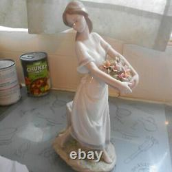 Lladro, priviledge, 2004, garden of Athens, girl with basket of flowers, boxed