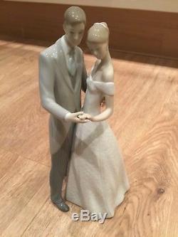 Lladro together forever figurine