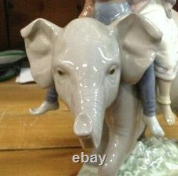 Lovely Rare Lladro Hindu Children on Elephant 5352 Porcelain Figurine SU1870