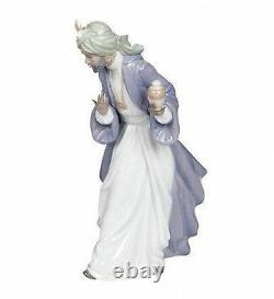 NAO Porcelain by Lladro WISE MEN KING BALTHASAR WITH JUG 020.00414