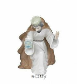 NAO Porcelain by Lladro WISE MEN KING MELCHIOR WITH CHEST 020.00413