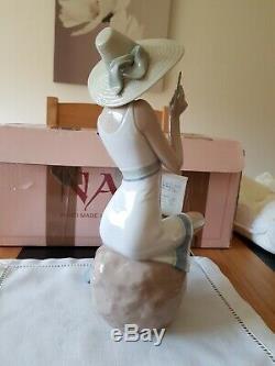 NAO by Lladro figurine pen friend 01229