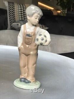 NAO lladro figurines X9
