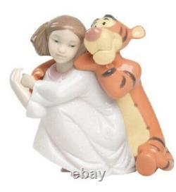 Nao By Lladro Disney Porcelain Figurine Hugs With Tigger Was £135 Now £115