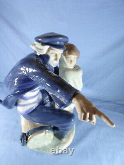 Nao By Lladro Large Figure Waiting For The Fishermen No 0699 32cm Height