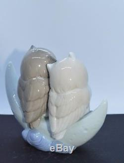 Nao By Lladro Porcelain Figurine Love Story 02001901 Was £125 Now £106