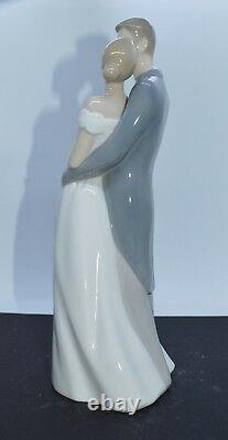 Nao By Lladro Porcelain Figurine Unforgettable Day 02001713 Was £119 Now £101