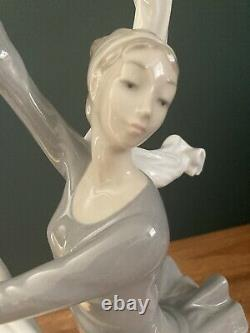 Nao By Lladro Very Large Ballerina Dancer With Veil Ribbon Figurine 00185 I