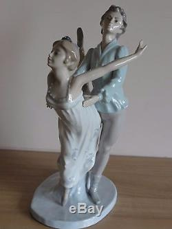 Nao by Lladro Large Figurine Dancers