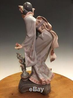 Rare Lladro #1449 Japanese Geisha MAYUMI With Box