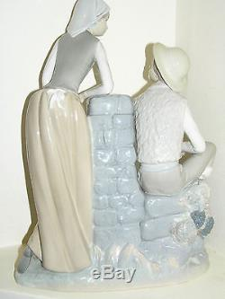 Rare Nao By Lladro Large Double Figure Girl & Boy Water Pump Grape Tasters 0195