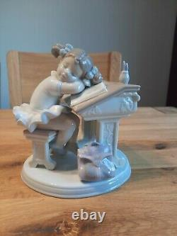 Retired Lladro Figurine Waiting for the Bell. Item no 6802. Boxed