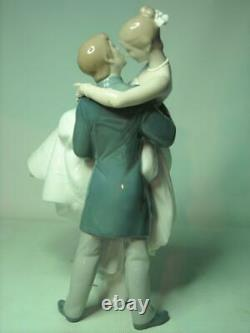 SUPERB Lladro THE HAPPIEST DAY Figurine 10.75 27.25cm Tall 8029 Bride and Groom