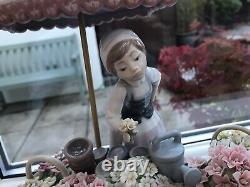 Stunning Rare Lladro Flowers Of The Season Lady / Girl Statue Figurine