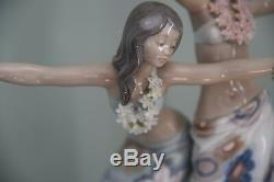 Stunning, rare collectors Lladro Tahitian Dancing Girls 01001498 retired