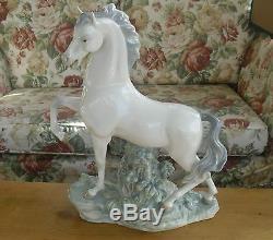 Very Large Lladro Horse(4781) Figure 17 1/4(44cm)