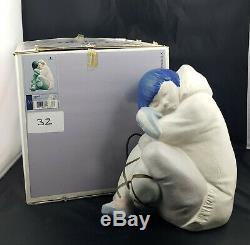 Very Rare Lladro Large Eskimo Boy Model No. 2007 Original Box