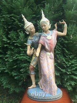 Vintage 1974 Retired Lladro Figurine Thai Couple 01012058 By Vicente Martinez