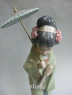 Vintage Lladro Porcelain Japanese Geisha Figurine Made in Spain Retired Rare